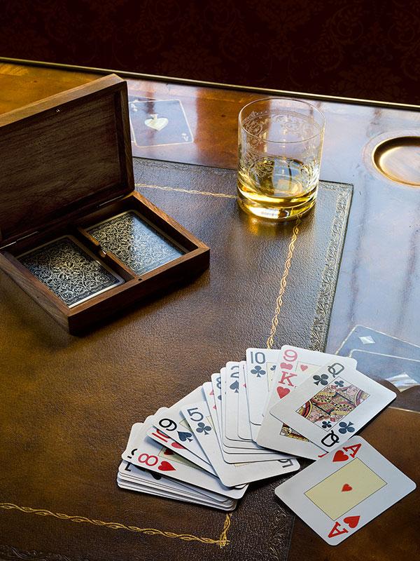 Hotel La Madrugada Cards