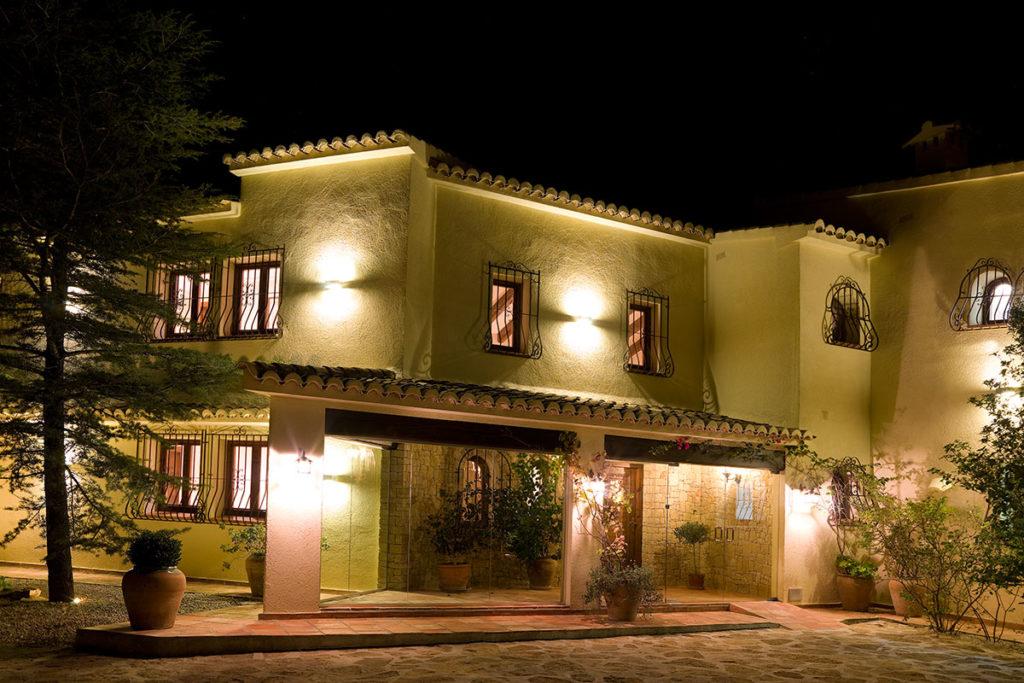 Hotel La Madrugada Entrance