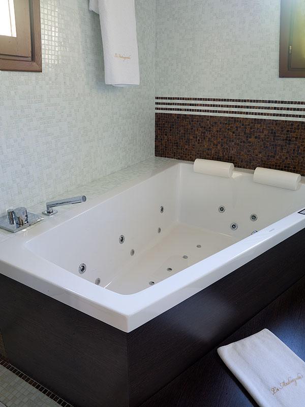 Hotel La Madrugada Suite Whirlpool Jacuzzi